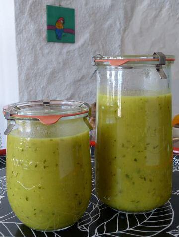 Warme komkommersoep